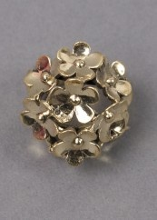 Carousel daisy cluster ring