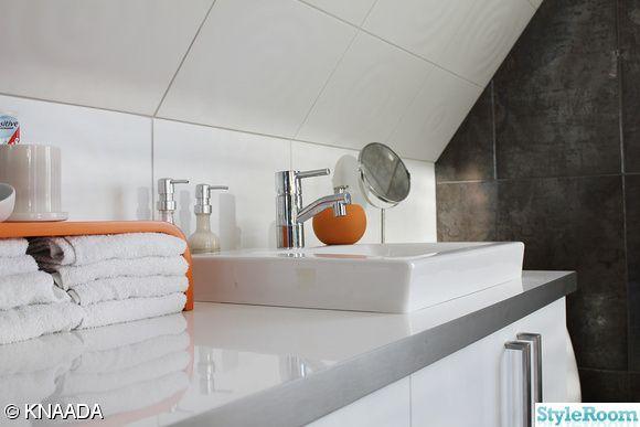 fyrkantigt handfat,arbetsbänk, köksinredning från ikea i badrum
