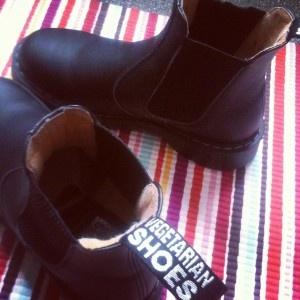 Airseal Chelsea Boot - Vegetarian Shoes #vegan