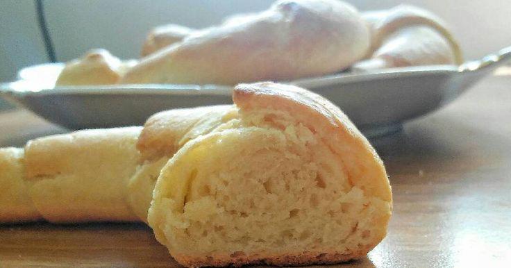 Mennyei Pihe-puha vajas kifli😋 recept! Nagyon finom, foszlós.☺ Melegen a legjobb, de a vaj másnapra sem engedi kiszáradni. :)