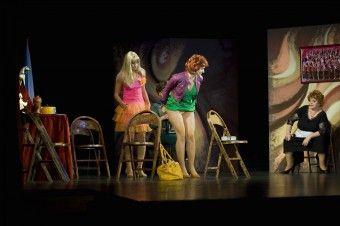 DK AKORD | Foto-video galerie | HOŘÍ, MÁ PANENKO! – Docela velké divadlo Litvínov