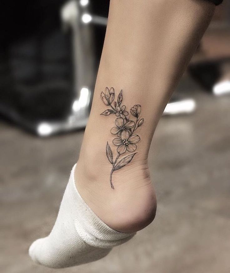 Татуировка на щиколотке картинка