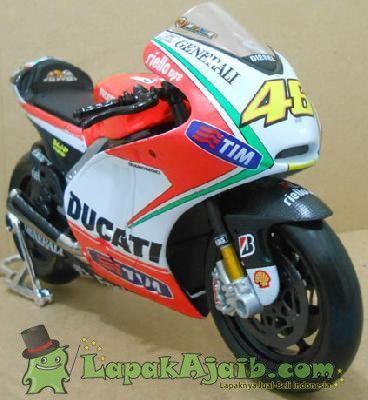 Diecast Ducati Desmosedici Rossi