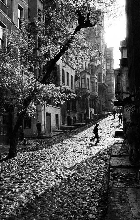 Street in Tarlabaşı, Istanbul, Turkey, 1965 (photo by Ara Güler)