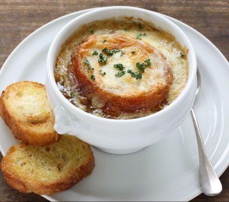 Klasyczna zupa cebulowa - Przepisy - Magda Gessler - Smaki Życia