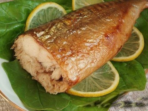 Скумбрия в духовке, похожая на рыбу горячего копчения.