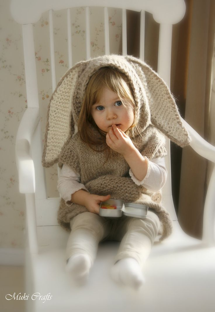 KNITTING PATTERN bunny poncho with hood and tail par MukiCrafts