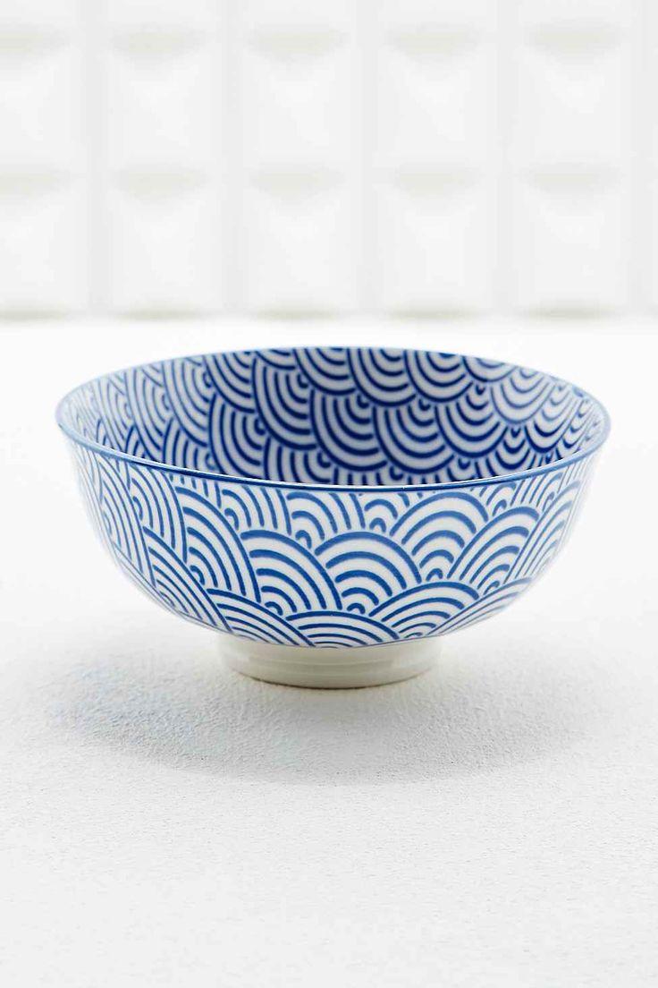 Schale mit japanischem Wellendesign in Blau #UrbanOutfitters