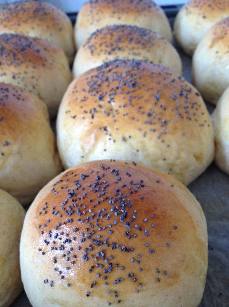 Warm rolls with butter