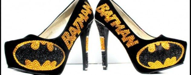 Voici les chaussures #Batman avec des cristaux #Swarovski