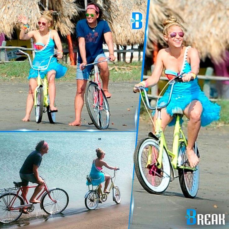 """#Shakira se subió a la bicicleta  Shaki se encuentra en estos momentos en #Colombia grabando el video del tema """"La Bicicleta"""", el cual interpreta con el cantante #CarlosVives.  Las grabaciones comenzaron desde tempranas horas de la mañana de hoy, jueves (19/05). Carlos Vives arribó a las 10:00 de la mañana, mientras que Shakira llegó sobre las 12:00 del mediodía acompañada por un equipo de seguridad y familiares."""