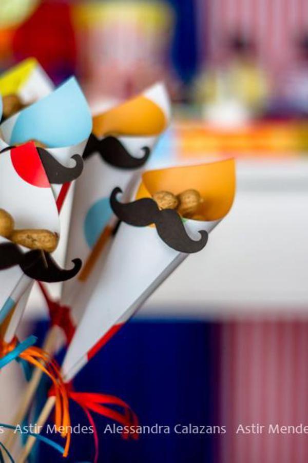 Circus Carnival Party via Karas Party Ideas   KarasPartyIdeas.com #circus #carnival #birthday #party #ideas (13)