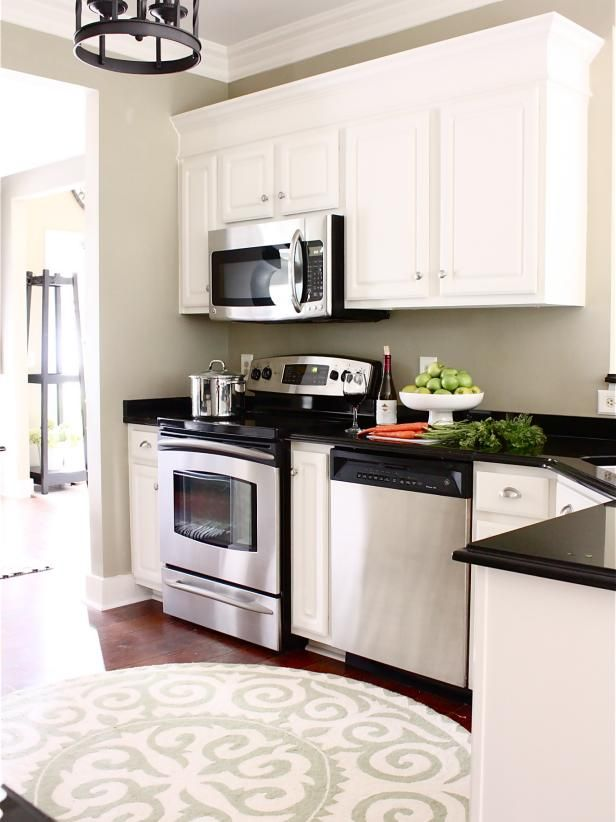 12 Easy Ways to Update Kitchen Cabinets | Painting kitchen ...