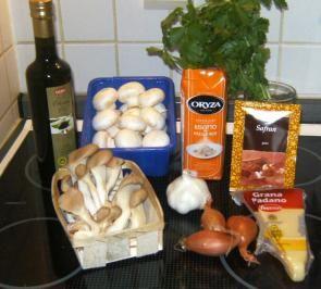 Das perfekte Risotto ai funghi-Rezept mit Bild und einfacher Schritt-für-Schritt-Anleitung: Pilze putzen und je nach Größe zerkleinern.Geflügelbrühe…