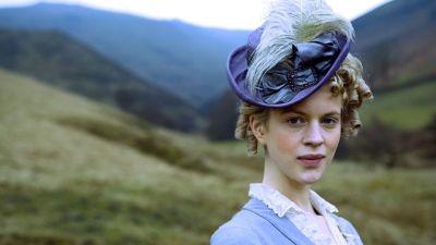 Georgia King, Rosamond Oliver - Jane Eyre directed by Susanna White (TV Mini-Series, BBC, 2006) #charlottebronte