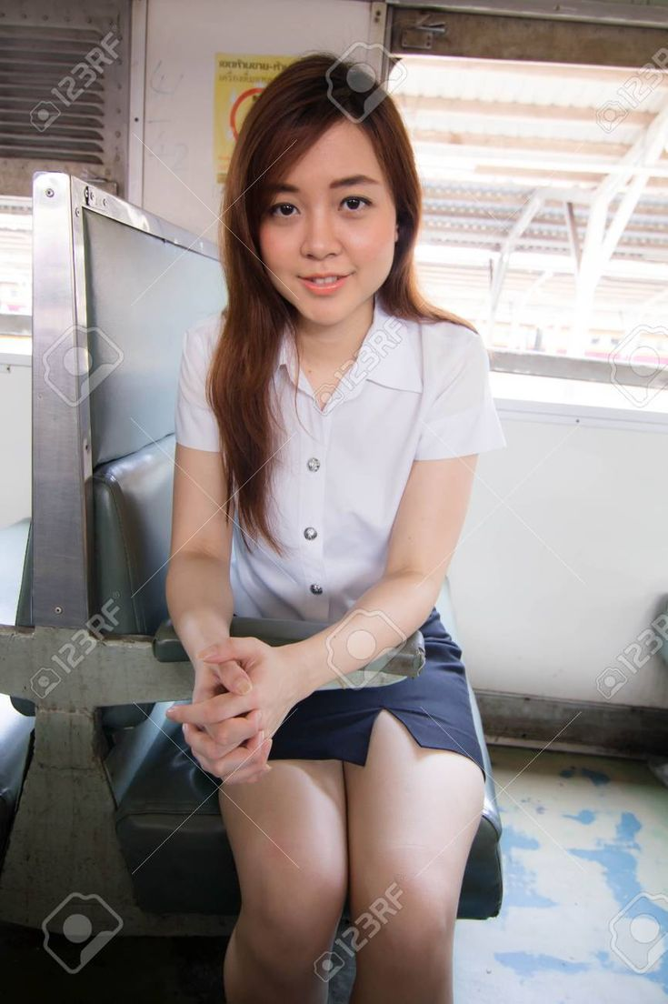 Portrait Of Thai Student University Beautiful Girl Relax -5050