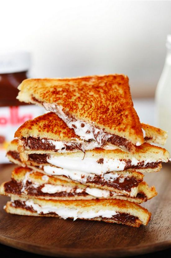 Grilled Nutella & Marshmallow Sandwich   19 Dessert Sandwiches That Just Want To Be Loved
