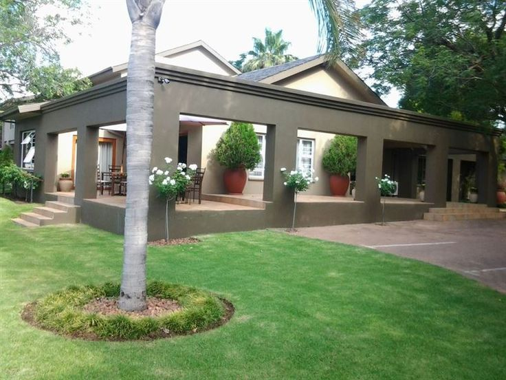 Bayswater Lodge - Bayswater Lodge is a well established 4 Star guest house situated in a northern residential suburb of Bloemfontein.  It is the ideal resting place for corporates, tourists, weekenders, or for a long-term ... #weekendgetaways #bloemfontein #southafrica