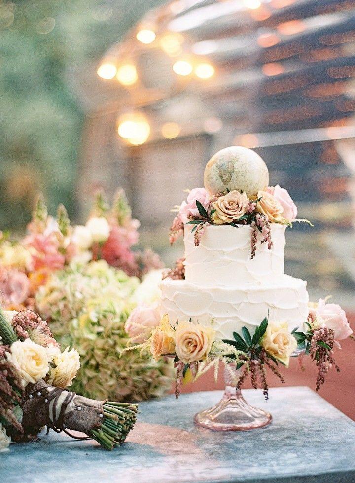 wedding cake idea; photo: Braedon Flynn Photography
