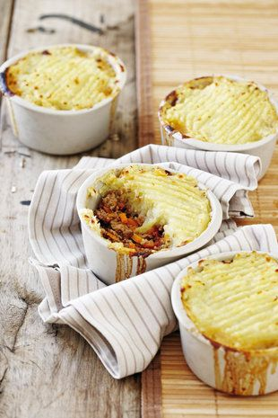 Herderspastei met patat-bolaag | SARIE | Cottage pie with sweet potato topping