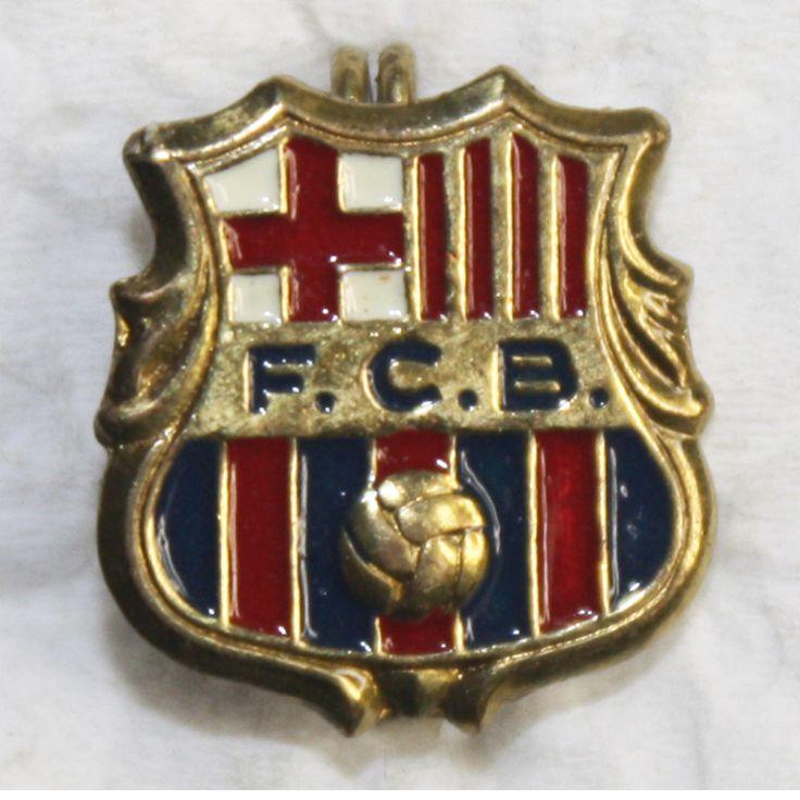 fc barcelona u bara official coat u old pin badge tienda u shop u milatoni