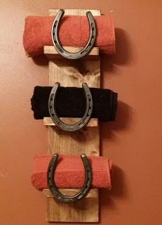Towel Rack Made From Pallets And Horseshoes - #pallets  #pallet  #bathroom