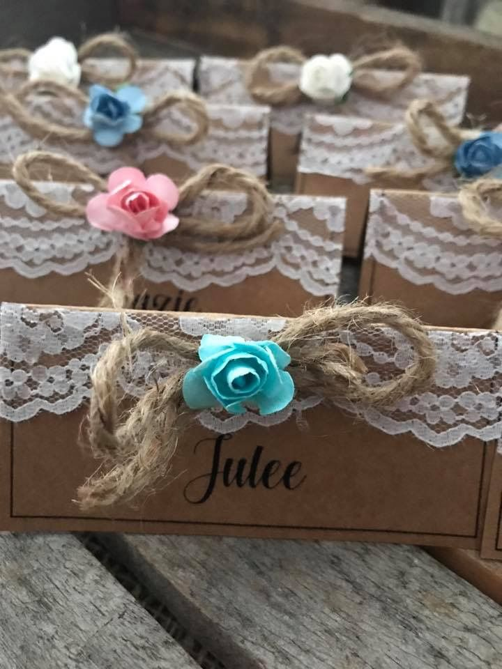 Vintage rustic table seating cards