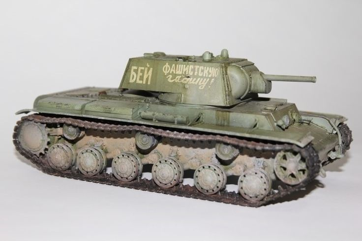 WWII Soviet Heavy Tank KV-1 1941 small turret - trumpeter MM Made by Lee Juho