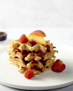 Een gezonde wafel, op basis van havermout en met lekker vers fruit bij. Ideaal als ontbijt, voor een energieke start van de dag!