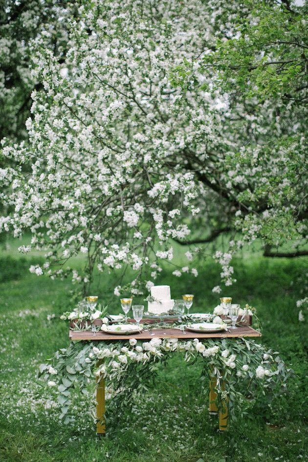 White Wedding Inspiration | Elena Pavlova Photo | Bridal Musings Wedding Blog