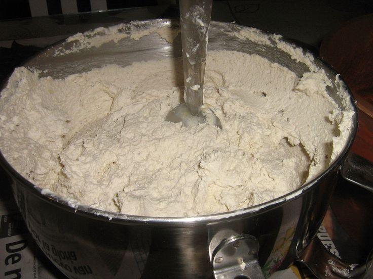 Hola amigos! Hoy, quiero compartirles mi receta de masa pra tamales , espero les guste y les sirva!MASA PARA HACER 60 tamales aproximadamente2 Kilos de masa600 g de manteca:Puede ser de…