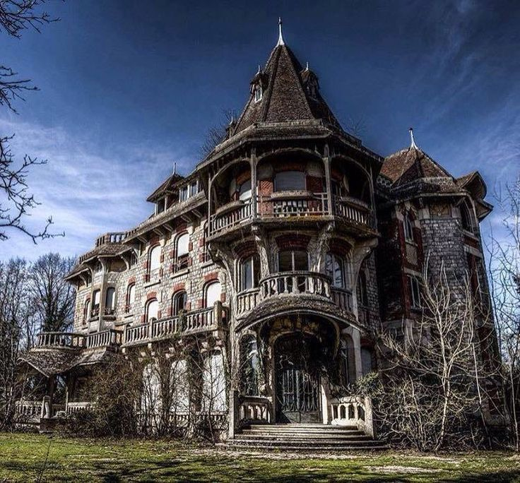 Abandoned Mansions, Abandoned Places