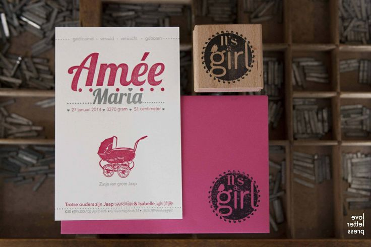 #geboortekaartje in #letterpress met #vintage #wieg  en geboorte #stempel #Itsagirl. Kleuren: Roze en zilver  http://www.loveletterpress.nl/geboortekaartje_vintage_letterpress_blog