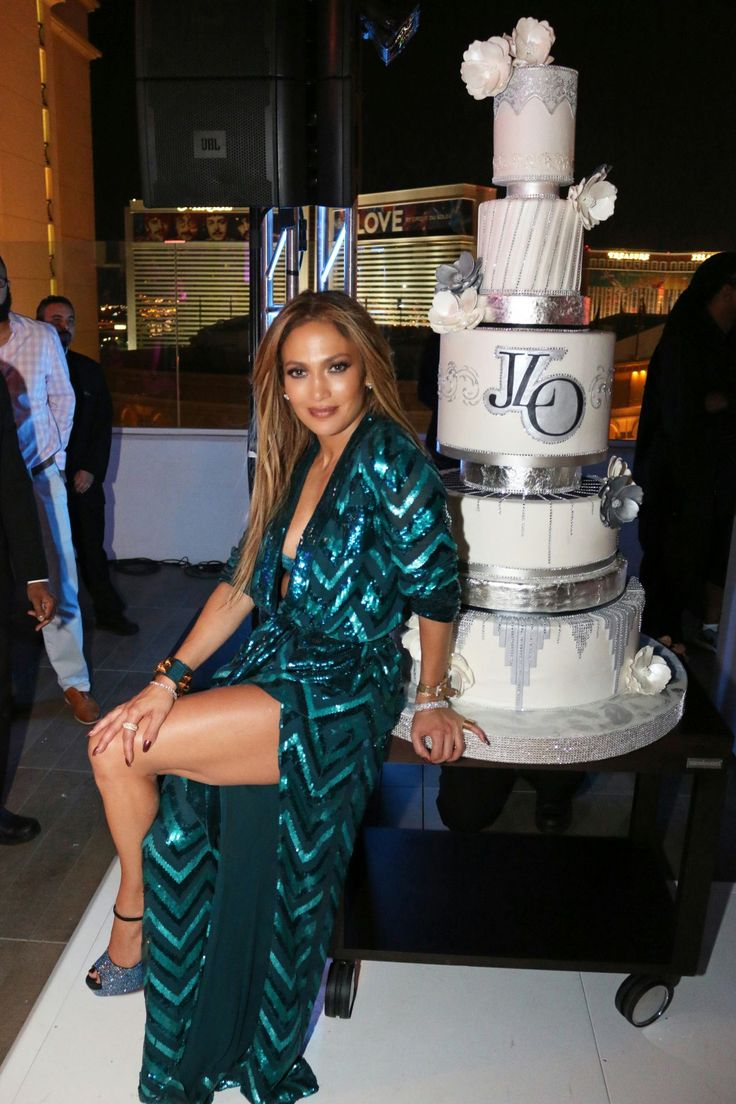 jennifer-lopez-jennifer-lopez-s-private-47th-birthday-at-nobu-villa-suite-in-las-vegas-7-26-2016-4.jpg (1280×1920)