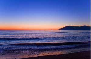 A wonderful sunset in #Marina di Carrara