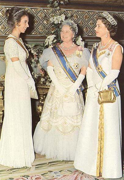 Regina elisabetta ii del regno unito la regina madre for La regina anne casa