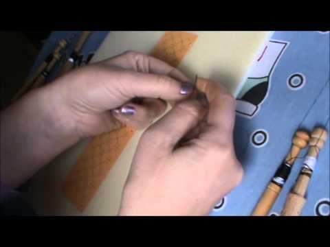 Bolillos: como hacer el nudo del tejedor - YouTube