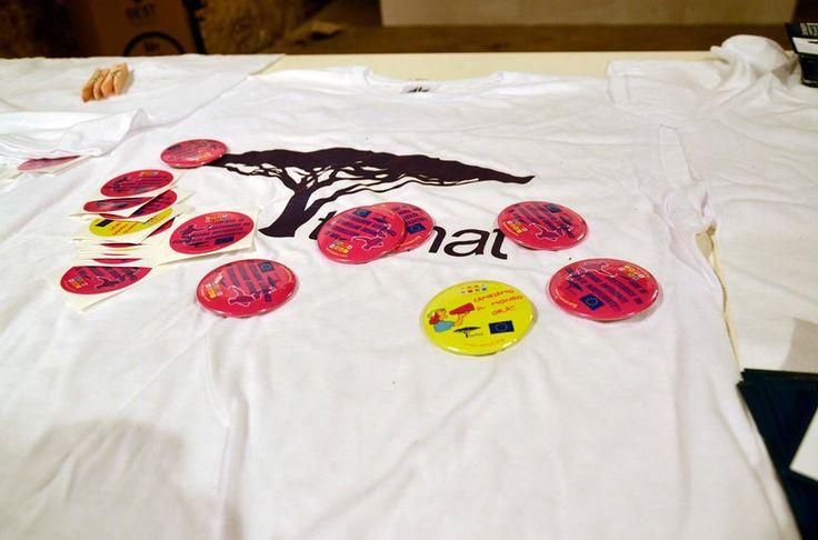 Tamat's T-shirts and pins -   Le magliette e le spille di Tamat