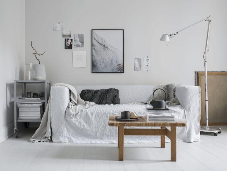 Linen love. Klippan Sofa in Bemz Loose fit Urban cover. Styling Pella Hedeby, Photographer Sara Medina Lind