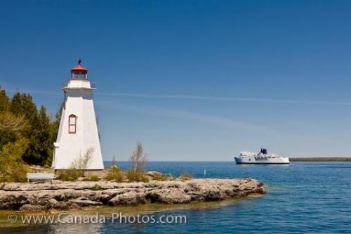 Big Tub Lighthouse at the entrance to Big Tub Harbour, Lake Huron, Tobermory, Ontario, Canada