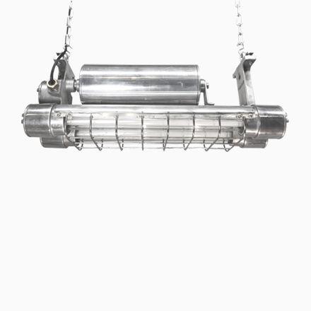 Industrielle Explosionssichere Japanische Aluminium LED Neonröhre von ... Jetzt bestellen unter: https://moebel.ladendirekt.de/lampen/deckenleuchten/deckenlampen/?uid=71575740-c5d0-5ea7-af56-fa816fb4d096&utm_source=pinterest&utm_medium=pin&utm_campaign=boards #deckenleuchten #lampen #deckenlampen Bild Quelle: pamono.com