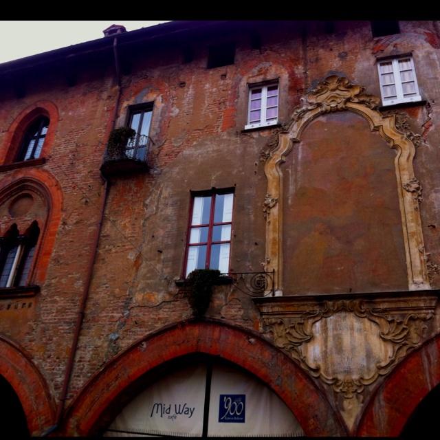 Pavia, piazza della vittoria.