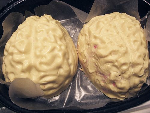 white chocolate/red velvet brains, and other great Halloween food ideas