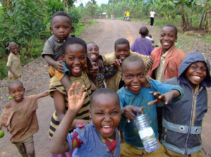 """Diari di Viaggio: Rwanda ed Uganda, """"muzungu, muzungu!"""" #Gorilla, #LagoBurera, #Muzungu, #Ruhengeri, #Rwanda, #Uganda http://travel.cudriec.com/?p=175"""