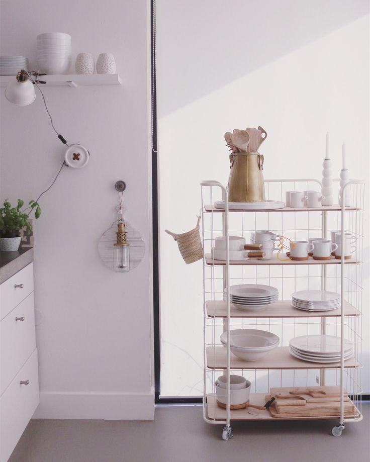 Bakkerskast in de keuken.