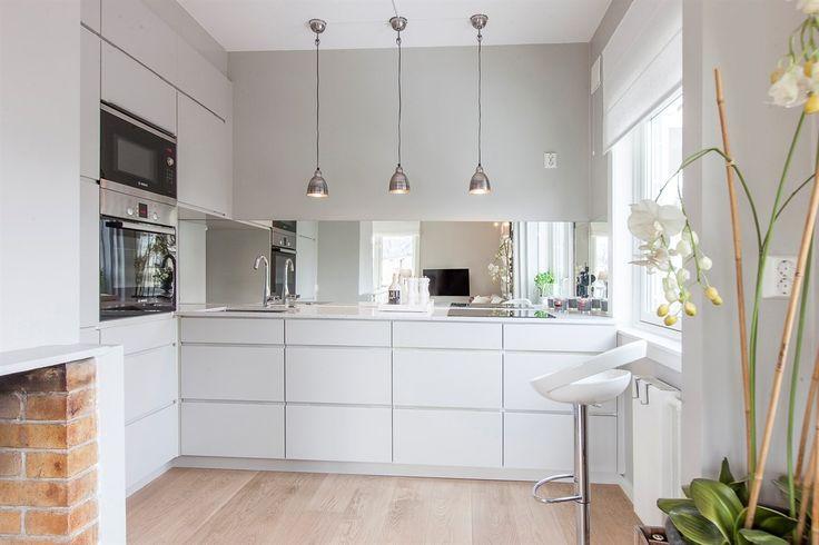 lys over kjøkkenøy