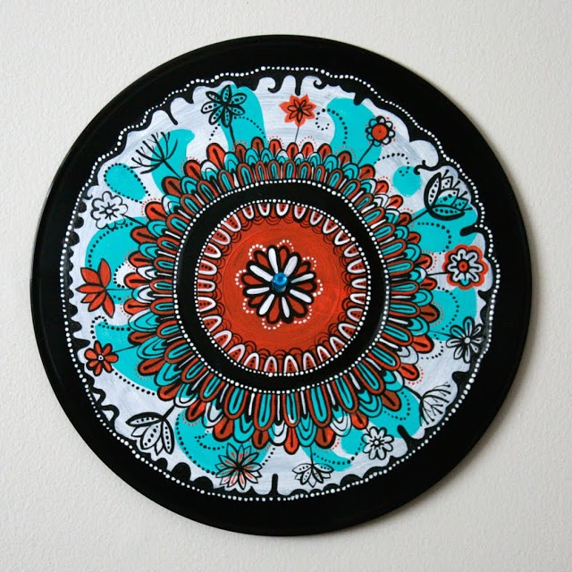 Recycled vinyl records art crafts crazy for vinyl crafts for Crafts with old records