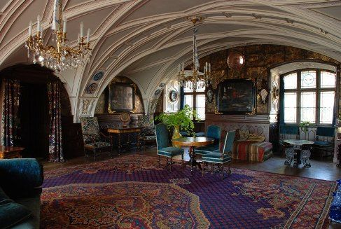Frydland Castle http://www.zamek-frydlant.cz/data/galerie/zamekmodrysalon.jpg