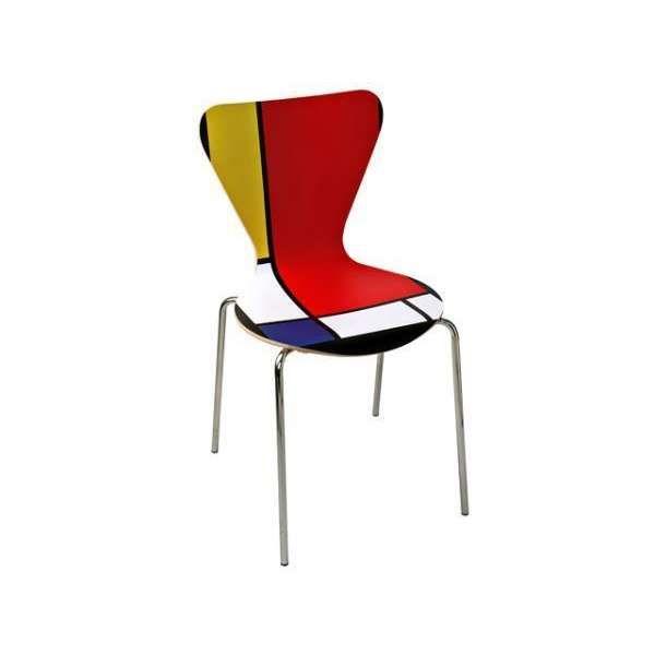 Sedia decorata in stile Mondrian da dipingere con dei quadrati di colore bianco, nero, blu, giallo e rosso per avere un elemento d'arredo moderno ed originale per decorare la nostra casa