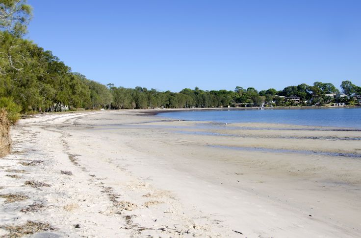 Tanilba Bay: There are some quiet and beautiful waterways to be found at Tanilba Bay. Sea turtles and dolphins are regularly spotted here. #tanilbabay #portstephens